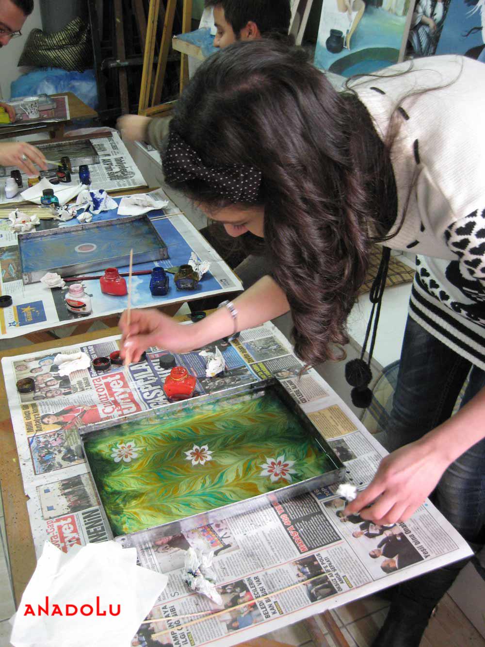 Yetişkinlerle Ebru Kursları