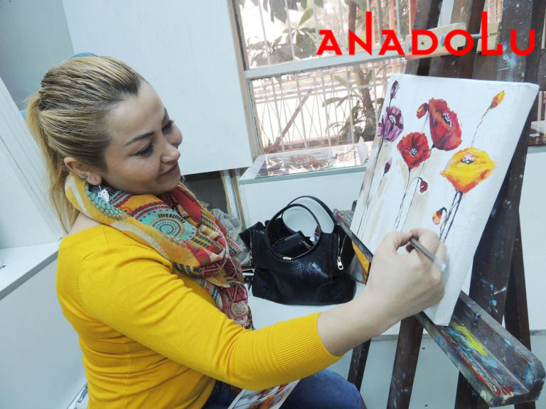 Yağlı boya Çiçekler Yapan Kadın Ankara