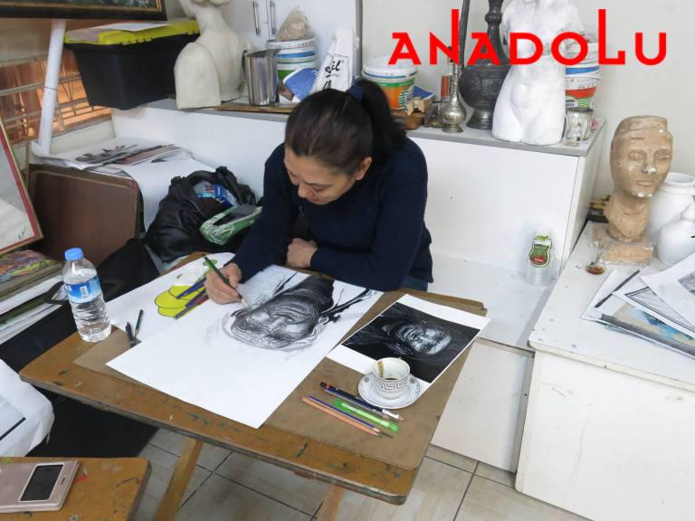 Yaşlı Kadın Çizmi Yapan Hobi Grupları Ankara