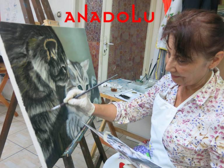 Yağlı boya Kedi Resmi Yapan Kadın Çizimi Ankara