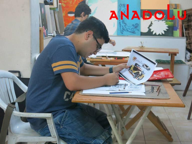 Renkli Kuruboya Araba Çizimi Ankara