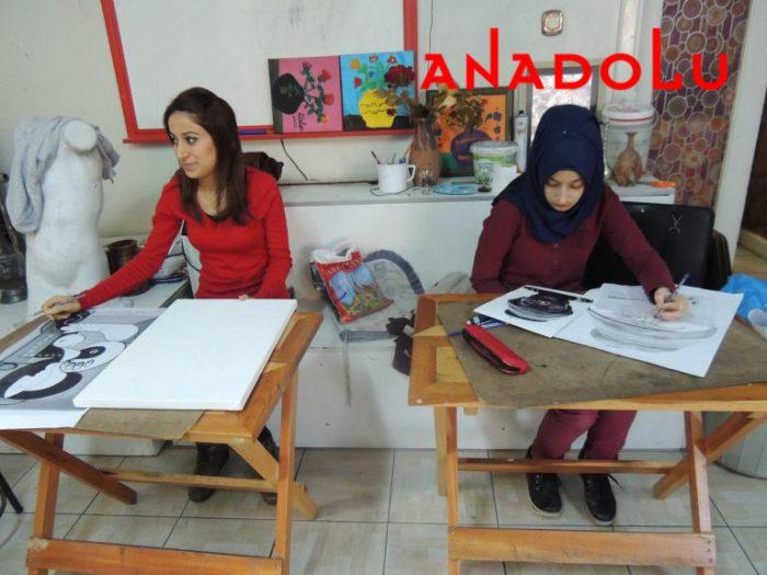 Hobi Dersi Karakalem Çalışması Ankara