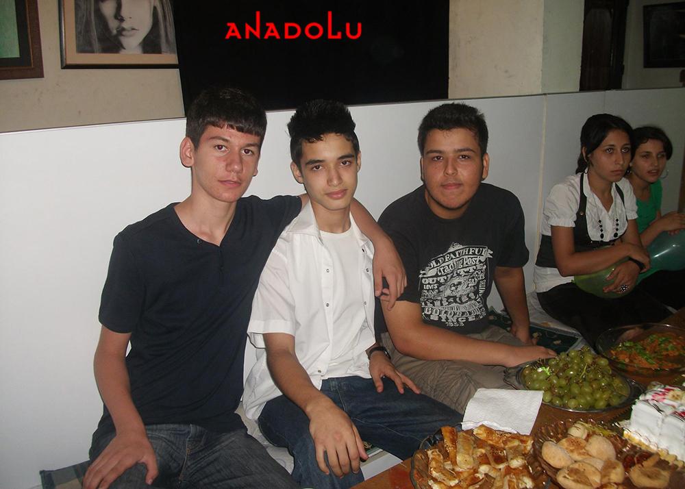 Ankarada Anadolu Güzel Sanatları Lisesini Kazanan Öğrenciler