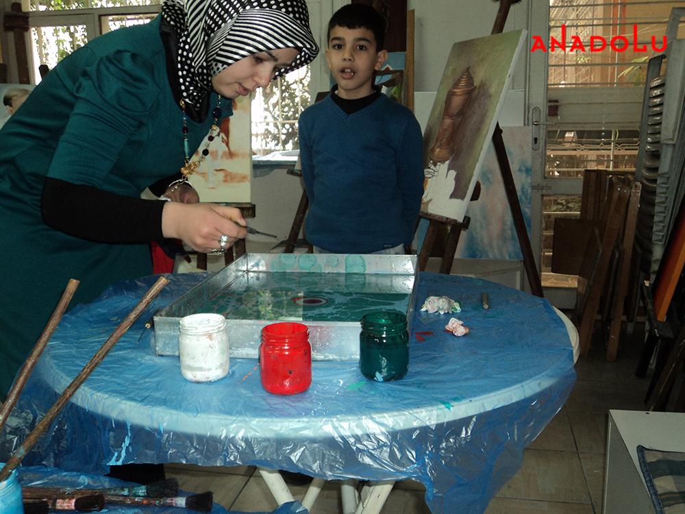 Yetişkinlerle Ebru Sanatı Dersleri Ankara