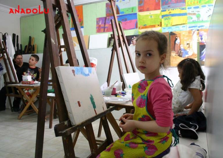 Yağlı Boya Çalışması Yapan Çocuklar Ankara