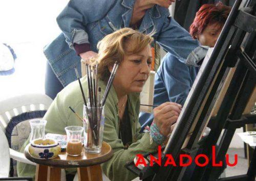 Zeliha Hanım Resim Çalışırken Ankara